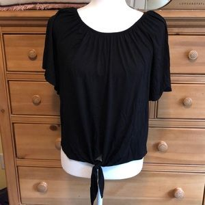 Tie front shirt sleeve knit top